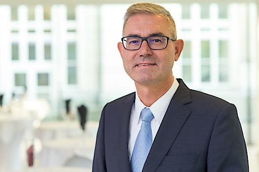 Peter Giffinger, derzeit Managing Director und Vorsitzender der Geschäftsführung bei Saint-Gobain RIGIPS Austria, Saint-Gobain ISOVER Austria und Saint-Gobain Weber Terranova, die Funktion des CEO für Österreich.