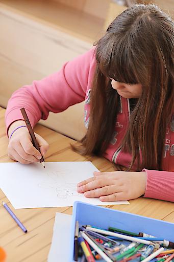 Ob malen oder basteln – kreativ zu sein und dabei großen Spaß zu haben ist fixer Bestandteil im Förderprogramm von SOS-Kinderdorf.