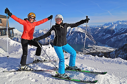 Perfekte Pistenverhältnisse herrschen derzeit in Oberösterreichs Skigebieten, hier im Skigebiet Feuerkogel in Ebensee am Traunsee, Salzkammergut.