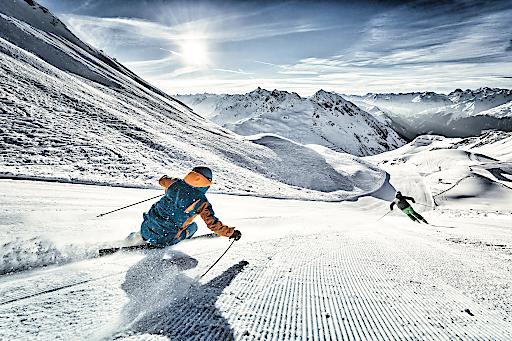 Skifahren, HochjochTotale, Silvretta Montafon, Montafon, Sonnenaufgang, frisch präparierte Pisten, Winter, Winterurlaub