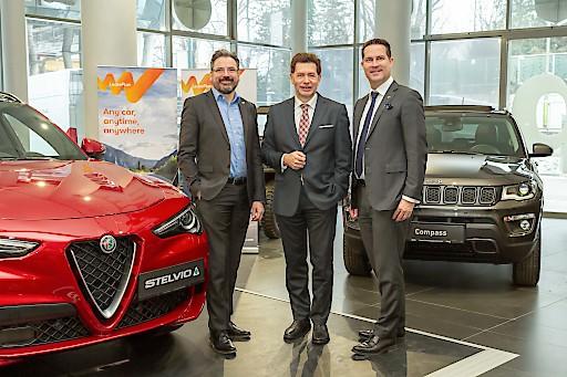 LeasePlan Geschäftsführer Nigel Storny, Fiat Chrysler Automobiles Fleet Director Georg Staudinger und LeasePlan Commercial Director Rudolf Mayrhofer-Grünbühel freuen sich auf eine starke Partnerschaft in Österreich.