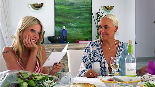 """Die Vorabend-Soap """"Ibiza Diary"""" holte am gestrigen Donnerstagabend vor allem die jungen Zuschauer (14-29 Jahre) vor die Bildschirme. """"Ibiza Diary"""" werktags, um 17:05 Uhr bei RTL II und auf Abruf bei tvnow.de. Weiterer Text über ots und www.presseportal.de/nr/6605 / Die Verwendung dieses Bildes ist für redaktionelle Zwecke honorarfrei. Veröffentlichung bitte unter Quellenangabe: """"obs/RTL II"""""""