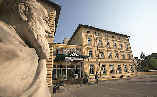 Eingang Rudolfinerhaus Privatklinik