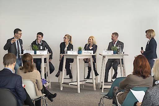 Paneldiskussion mit VertreterInnen der österreichischen Wirtschaft bei der ersten Pluralitätskonferenz im weXelerate in Wien.