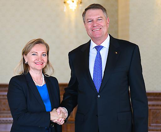 WKÖ Vizepräsidentin und SMEunited Präsidentin Ulrike Rabmer-Koller mit dem rumänischen Präsidenten Klaus Johannis