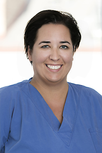 Oberärztin Dr. Nina Pühringer,Orthopädin und Unfallchirurgin an der II. Orthopädischen Abteilung des Herz-Jesu Krankenhauses