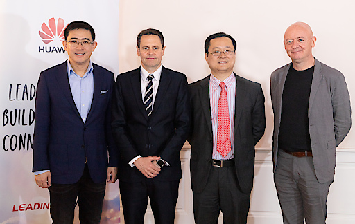 https://www.apa-fotoservice.at/galerie/17555 v.l.n.r.: WANG Fei (CEO Huawei Austria Consumer Business), Simon LACEY (Huawei Vice President Global Government Affairs), PAN Yao (CEO Huawei Austria), Joe KELLY (Huawei Vice President Corporate Communications)