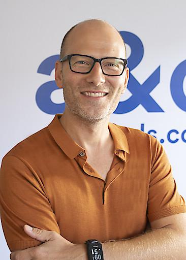 CEO Oliver Winter kann auf ein erfolgreiches Jahr seiner Hostel-Gruppe a&o zurückblicken