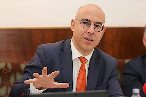 Der gebürtige Österreicher Prof. Gabriel Felbermayr, präsentierte seine erste Konjunkturprognose als Präsident des Instituts für Weltwirtschaft Kiel (IfW Kiel), bei einer Pressekonferenz in Wien.