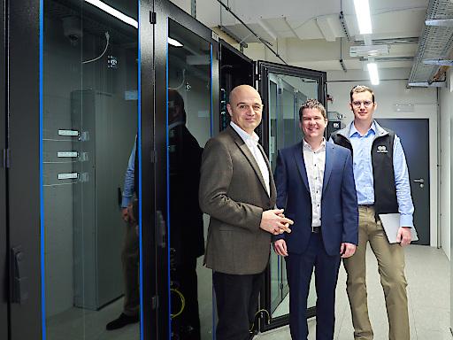 Die ausfallsichere Rechenzentruminfrastruktur von EPS mit ITK-Verkabelung wurde erzielt für RHI Magnesita, Feuerfest-Weltmarktführer, ein noch höheres IT-Sicherheitslevel.