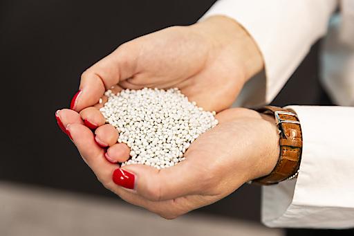 Granulat, aus dem neue PET-Flaschen hergestellt werden