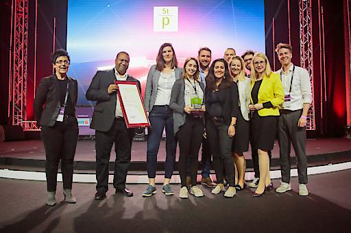 """Verleihung des Staatspreises Digitalisierung in der Kategorie """"Digitale Produkte und Lösungen"""" an HYDROGRID GmbH für """"Hydrogrid""""."""