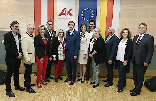 Konstituierende Vollversammlung Arbeiterkammer Kärnten, Präs.Günther Goach mit den Vorstandsmitgliedern..©fritzpress