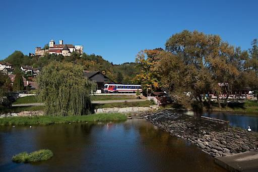 Am Samstag kann man bspw. ab Gars bequem mit der Bahn um 20:24 Uhr nach Hause fahren. (C) Liebhart, Kamptalbahn, Gars-Thunau
