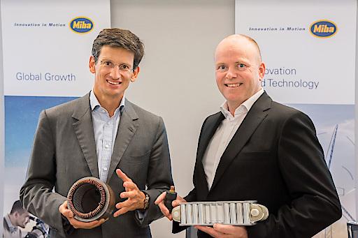 CEO F. Peter Mitterbauer und CFO Markus Hofer mit Miba Technologien für eMobility