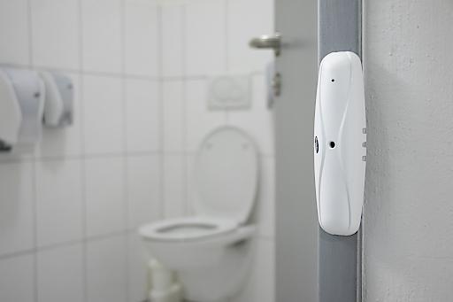 Mit Hagleitner lässt sich ein gescheites Häuschen managen: Lichtschranken ermitteln Zutrittszahlen, Hygienespender informieren über Abgaben und Füllstände.