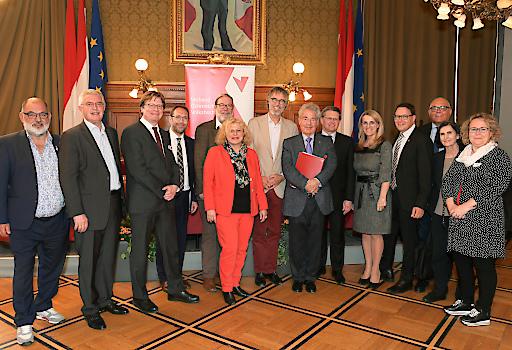 Der neu gewählte Vorstand des Verbandes Österreichischer Volkshochschulen