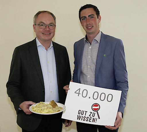 42.381 Unterschriften unterstreichen den Wunsch der Bürgerinnen und Bürger: LH-Stellvertreter und NÖ Bauernbundobmann Stephan Pernkopf mit dem Spitzenkandidaten des NÖ Bauernbunds für die Europawahl, Alex Bernhuber.