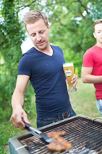 Für fast Dreiviertel der Österreicher gehören der Genuß von Gegrilltem und Bier zusammen.