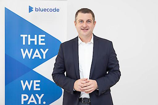 Christian Pirkner, CEO Blue Code International AG, freut sich über den Gewinn des Instant Payment Hackathons der EZB.