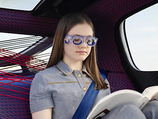 SEETROËN S19 - die Brille gegen Reisekrankheit. Fotografiert im Citroen 19_19 Concept Car