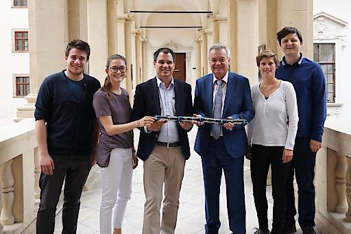 Die ÖH Vorsitze der Uni Graz und der Med Uni Graz gemeinsam mit LH-Stv. Schickhofer und Landesrat Lang
