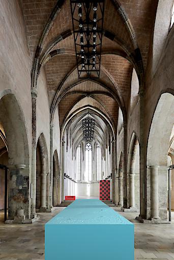 Josef Trattner, Skulptur I, 2019 Schaumstoff (hellblau), 20 m Visualisierung der Ausstellung in der Dominikanerkirche 2019 © Josef Trattner