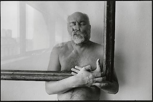 Adolf Frohner, Adolf Frohner natürliche Verformung, 1990er-Jahre Schwarz-Weiß-Fotografien 30 x 40 cm, Serie von 4 Adolf Frohner gemeinnützige Privatstiftung Foto: unbekannt