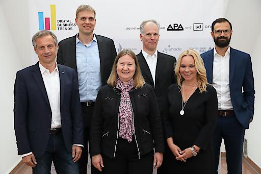 https://www.apa-fotoservice.at/galerie/16205 Im Bild v.l.n.r.: Christian Minarovits (IBM Österreich), Stefan Schulte (TU Wien), Gabriele Bolek-Fügl (BDO Austria), Harald Gold (DXC Technology), Sylvia Graf (ORF, Moderation) und Kai Siefert (Wien Energie)
