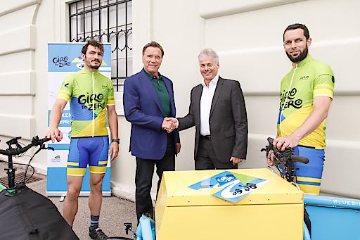 """""""Giro to Zero""""-Radtour: Auftakt mit Arnold Schwarzenegger"""