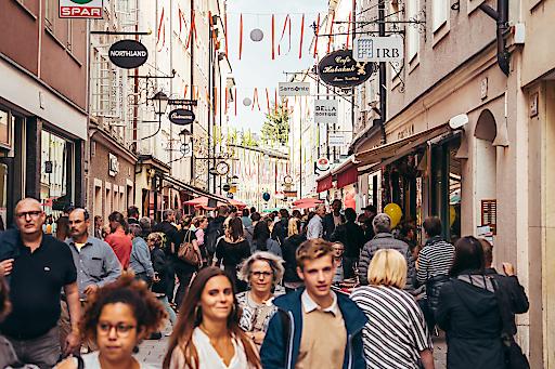 Am 28. und 29. Juni 2019 findet in der Salzburger Altstadt wieder das beliebte Altstadtfest Linzer Gasse statt.