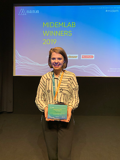 Nermina Mumic siegt mit Legitary bei internationalem Musik-Start-Up Wettbewerb in Cannes.
