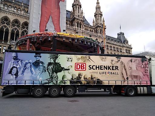 offizielle Präsentation des DB Schenker LIFE BALL TRUCK 2019