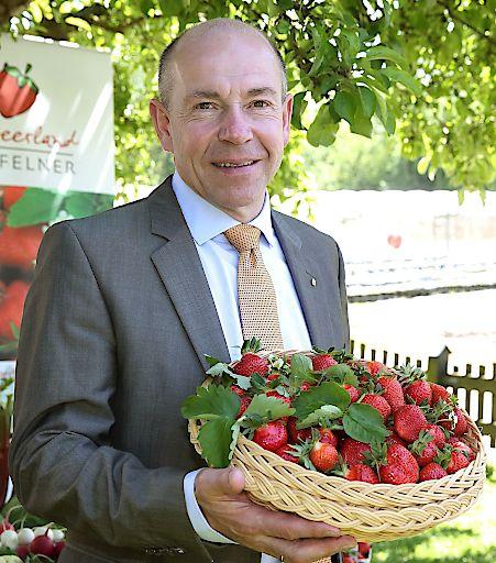 """""""Zwei Tage lang Genussprodukte aus der Region probieren und genießen. Das ist kulinarische Sommerfrische pur"""", freut sich Agrar-Landesrat Max Hiegelsberger auf das Festival im Kursalon Wien im Stadtpark."""