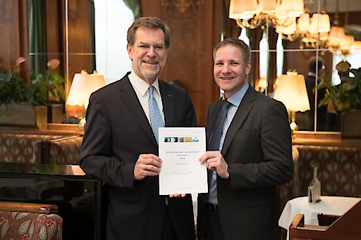 https://www.apa-fotoservice.at/galerie/19172 Mag. Andreas Zakostelsky, Generaldirektor der VBV Gruppe und Univ.-Prof. MMag. Dr. Gottfried Haber, Wirtschaftswissenschaftler.