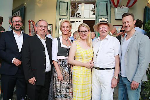 https://www.apa-fotoservice.at/galerie/19111 Wien - Wiener Lusthaus trifft Tirol: Das Sommerfest der Tiroler Tageszeitung im Wiener Lusthaus ist ein angesagter Treff für Freunde, Partner und Kunden der TT.