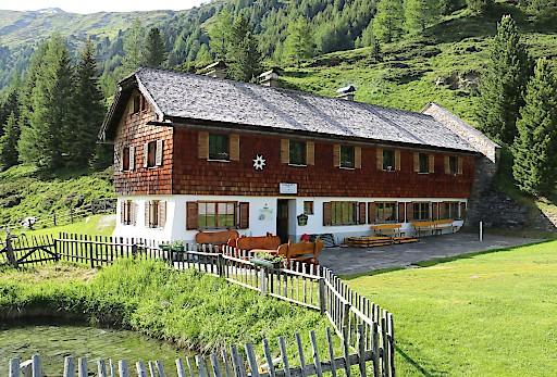 Die Sticklerhütte im Lungau ist ab sofort Bio-zertifiziert und bietet ihren Gästen Bio-Schmankerln aus der Region