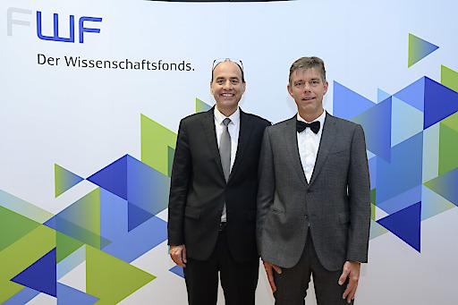 BILD zu OTS - Österreichs höchstdotierte Wissenschaftspreise sind vergeben: Die internationale Fachjury des Wissenschaftsfonds FWF zeichnet den Historiker Philipp Ther (Bild rechts) und den Mikrobiologen Michael Wagner (Bild links) mit dem Wittgenstein-Preis 2019 aus.