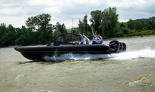 Mit-dem-Drei-Speedboat-Shuttle-auf-schnellstem-Weg-zum-Donauinselfest-