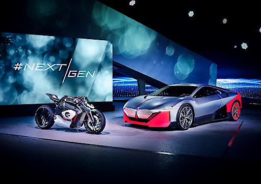 Zwei Jahre früher: 25 elektrifizierte Modelle bereits 2023 ++ Steile Wachstumskurve: Absatz elektrifizierter Fahrzeuge soll bis 2025 jährlich um mehr als 30 Prozent steigen ++ Absatz elektrifizierter Fahrzeuge 2021 soll sich gegen 2019 mehr als verdoppeln ++ Weltpremiere bei #NEXTGen: BMW Vision M NEXT und BMW Motorrad Vision DC Roadster zeigen E-Mobilität der nächsten Generation ++