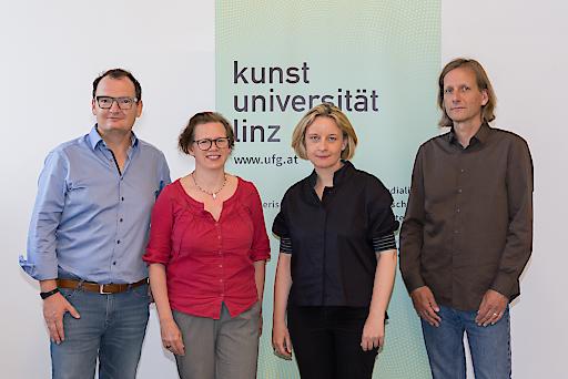 Foto 2: Das neue Rektoratsteam der Kunstuniversität Linz (v.l.n.r.): Erik Aigner, Karin Harrasser, Brigitte Hütter und Frank Louis © Mark Sengstbratl