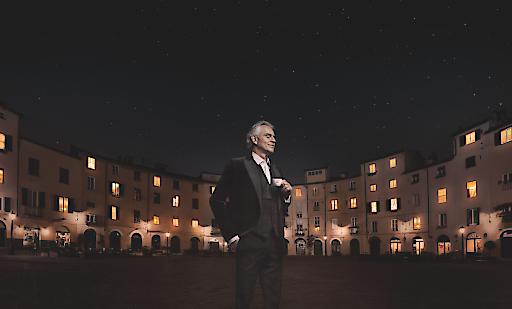 Andrea Bocelli für die neue Kampagne von illycaffè