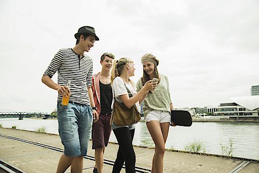 Für SchülerInnen & Lehrlinge: ein rund-um-die-Uhr Öffi-Ticket für NÖ, BGLD & Wien