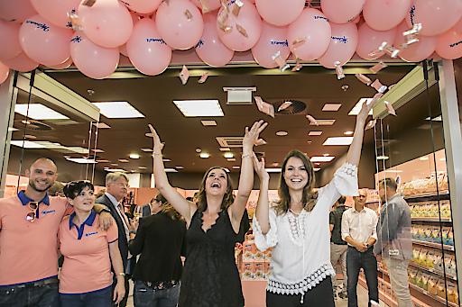 Der Mannershop im Sillpark eröffnet am 4. Juli -VIPS und Freunde des rosa Traditionshauses feierten am Vorabend