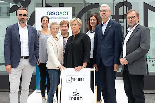 Die Gastgeber und die Mitglieder des respACT CSR-Initiativkreises Steiermark.