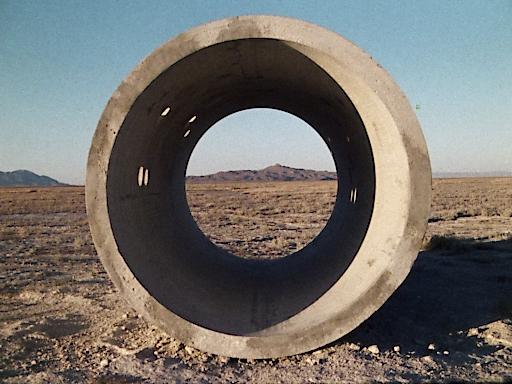 Nancy Holt Sun Tunnels, 1976 16 mm Film auf HD Video, 26:31 Min, Farbe, Ton Courtesy of the Holt/Smithson Foundation and Electronic Arts Intermix (EAI), New York © Bildrecht, Wien, 2019