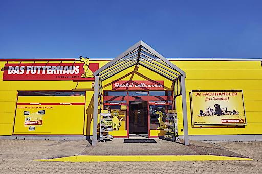 """DAS FUTTERHAUS Mayen ist einer von neun im ersten Halbjahr 2019 eröffneten Märkte der norddeutschen Fachhandelskette für Tierbedarf und -zubehör. Weiterer Text über ots und www.presseportal.de/nr/119466 / Die Verwendung dieses Bildes ist für redaktionelle Zwecke honorarfrei. Veröffentlichung bitte unter Quellenangabe: """"obs/DAS FUTTERHAUS-Franchise GmbH & Co. KG"""""""