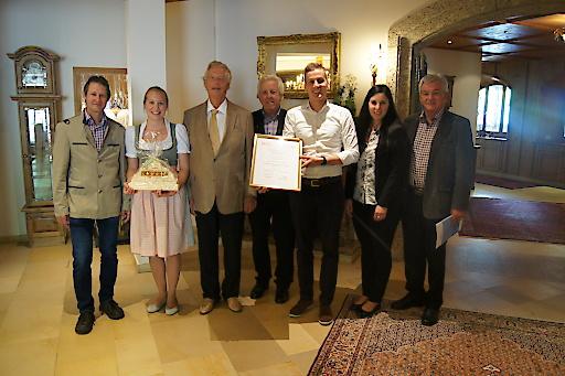 Die Sterne-Kommission der Wirtschaftskammer zu Gast im Vier-Sterne-Superior Hotel Alpenhof in Hintertux.