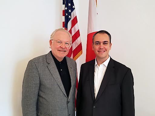 Lonnie R. Johnson und Hermann Agis
