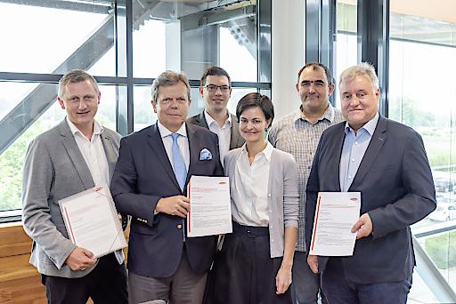 Gemeinsam mit den Betriebsräten, dem zuständigen Fachverband und den Gewerkschaften konnte kürzlich die Betriebsvereinbarung zum Wechsel des Kollektivvertrags unterzeichnet werden.